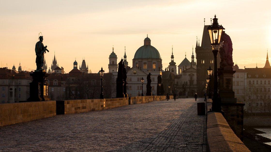 تور چک اسپانیا-نیکا گشت